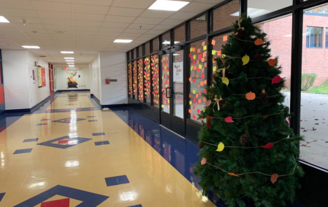 "Foran faculty and students put up the ""Giving Tree"" and the ""Thankful Wall"" to show holiday spirit and joy in the school. (Photo courtesy: Carly Whelan)"