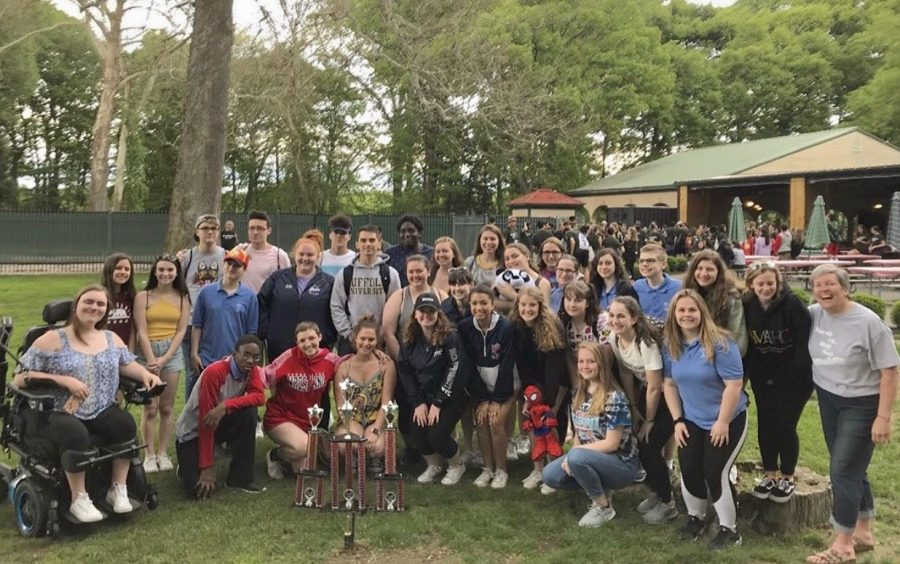Voss+and+her+students+after+winning+competition+at+Six+Flags+New+England.+Photo+taken+on+May+24%2C+2019+courtesy+of+Sophie+Corbett.+%0A