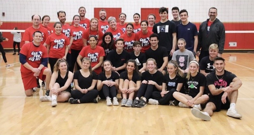 Both the students and teachers who participated in the volleyball fundraiser game. Photo Courtesy @manestreetmirror Instagram