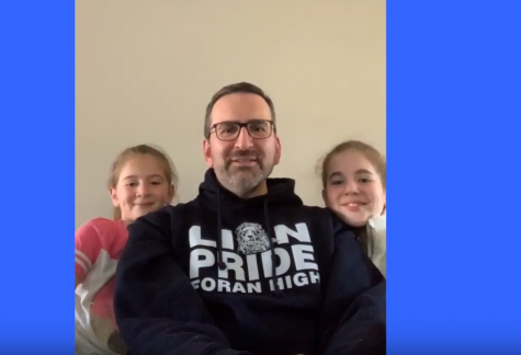 Mr.Berkowitz and his daughters giving Foran a reassuring message from home