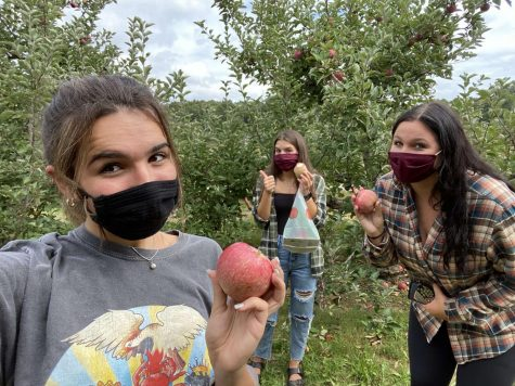 Journalism two students apple picking at Bishop Orchards in Guilford. Photo Courtesy: Amanda Querioz taken on September 26, 2020
