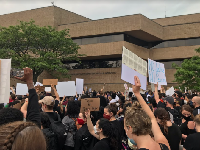 Black Lives Matter protest in New Haven Ct . on June 5th 2020. Photo courtesy: Liz Dong.